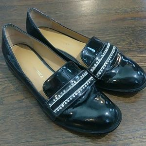 Badgley Mischka patent leather flat loafers size 6
